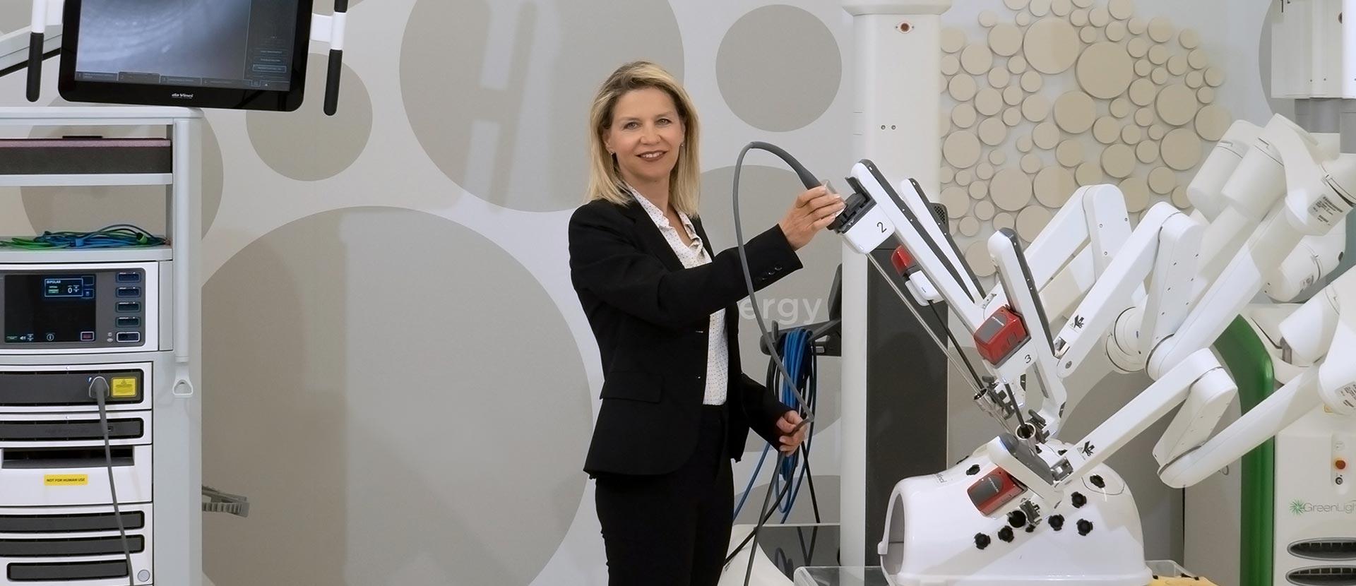 Βασιλική Χατζηραφαήλ - Χειρουργός Μαιευτήρας - Γυναικολόγος - Ρομποτική Χειρουργική